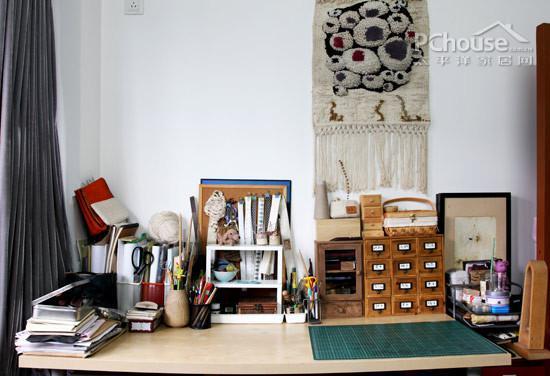 零散物品巧妙收纳 教你3招打造整洁书房