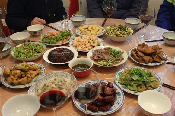 团圆饭·话年俗 上海各区市民这么过年!图片