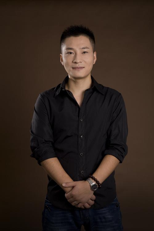 同济经典设计 设计师李明简介