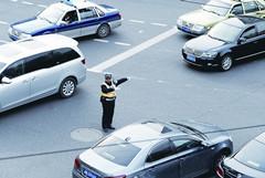 上海实施《道路交通安全法》10周年效果回顾