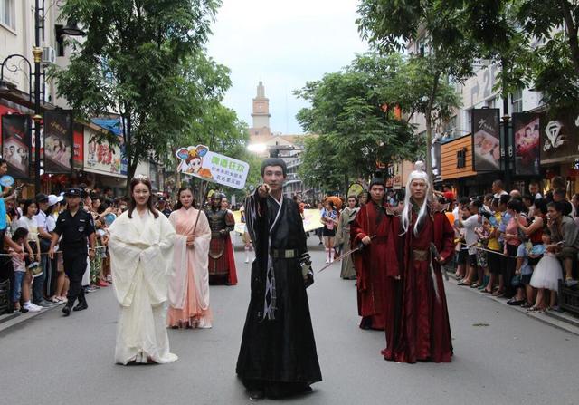横店影视小镇 嬉水狂欢节拉开暑期狂欢大幕