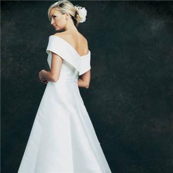 伴娘小裙装礼服选择 伴娘服如何挑选好