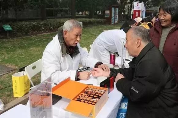 """徐汇各街道镇""""雷锋""""纷纷献上志愿服务""""大餐"""""""