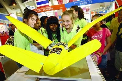 12所英国寄宿中学来沪招生 与近百位学生一对一面试