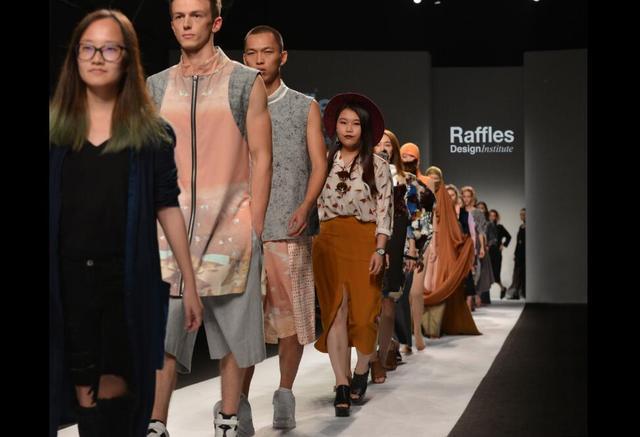 上海时装周 年轻原创设计师崛起