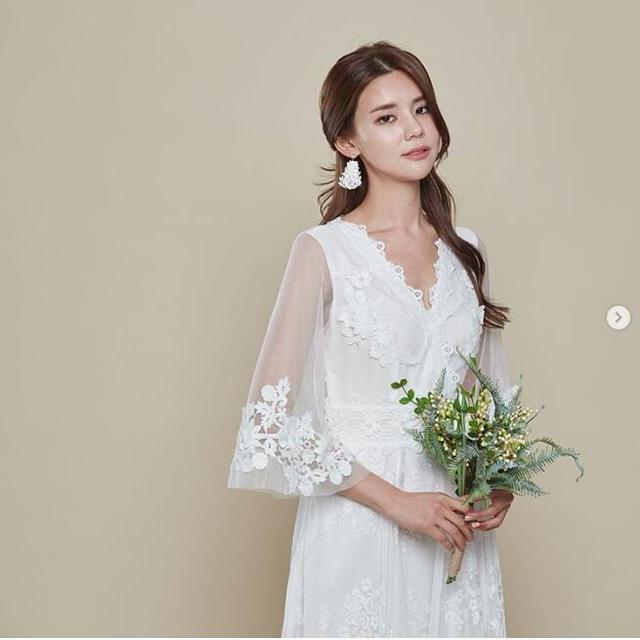 让人一见倾心的韩式新娘发型范本