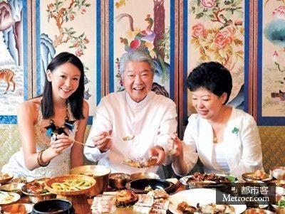 在此次首尔美食之旅中,曾任韩国电影《王的男人》及韩剧《食客》的