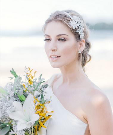 新娘婚纱饰品搭配技巧 八大原则搞定难题