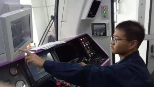 轨交5号线南延伸工程接触网热滑实验顺利完成