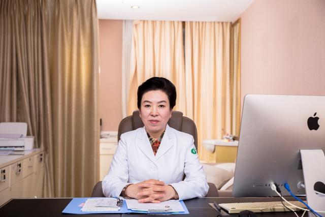 刘斌医生受邀参加国内外激光美肤实践操作