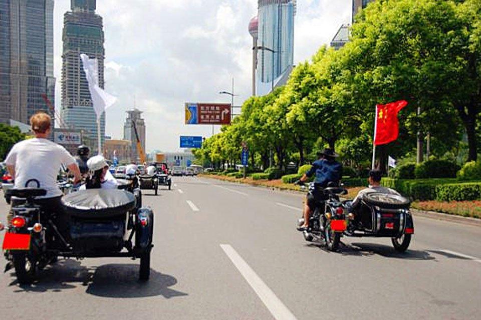 """骑上""""侉子""""漫游上海"""