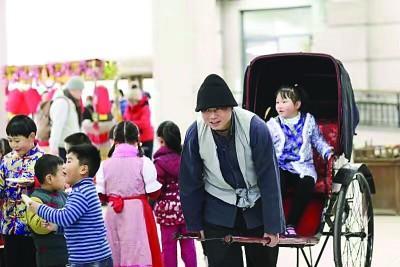 吃棉花糖坐黄包车 卢湾一中心小学举办中国节主题活动