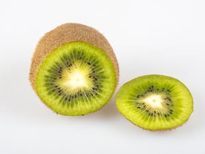 吃这三种水果容易加重老胃病