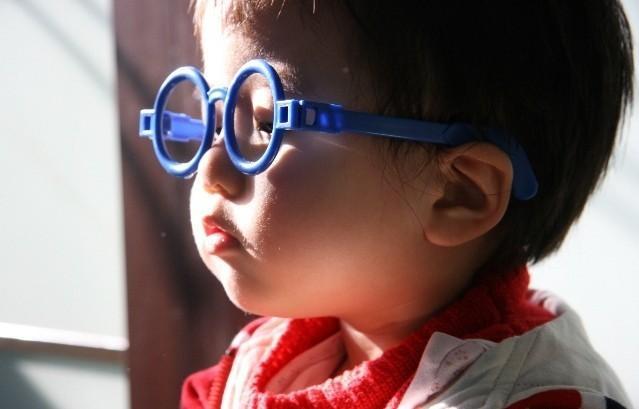 学龄前儿童近视多为遗传