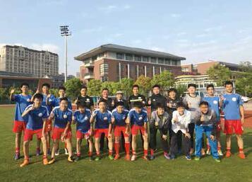 青少年校园足球邀请赛--同济一附中队