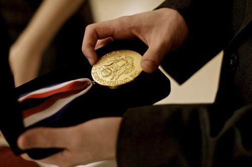"""美国高中生""""总统学者奖""""揭晓 五分之一为华裔"""