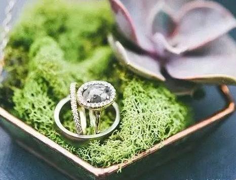 个性结婚戒指盒推荐 提升婚礼品质的必备品