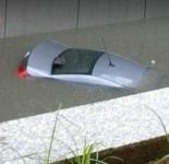 切记!车被淹后不要强启