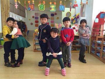 """沪上部分幼儿园跟风""""何以热""""拍剧照 一些家长表担忧"""