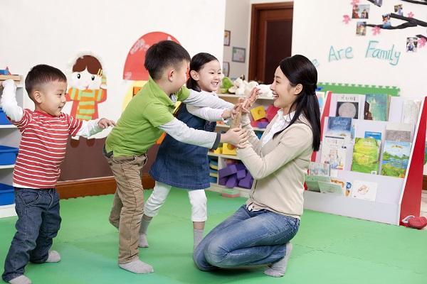 中国城市3岁以下儿童入托率不足一成 平均值仅4.1%