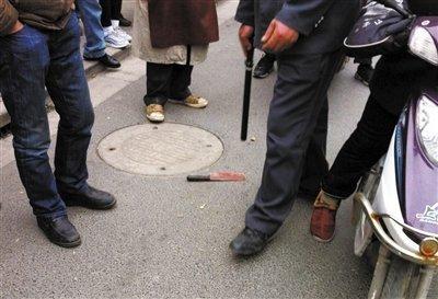 刀客学校门口乱砍人 奉贤区六名小学生受伤