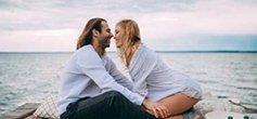 看完浪漫订婚照 get情侣拍照灵感