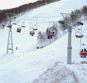 宁波商量岗滑雪场:二十余个冰雪娱乐项目