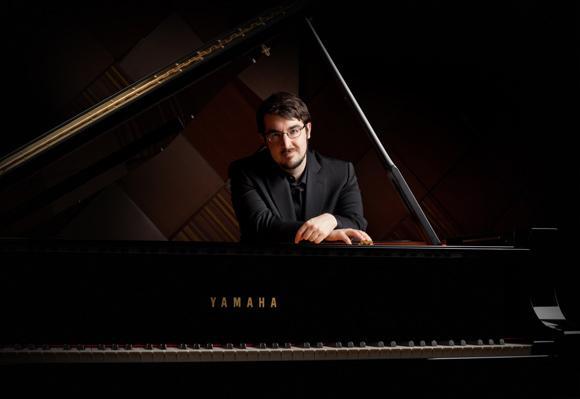 图片说明:加拿大青年钢琴家——查尔斯·理查德-哈姆林