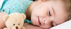 从宝宝睡姿看疾病信号