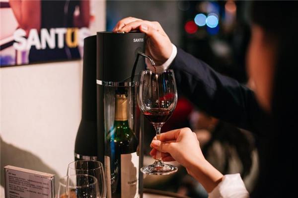 享受美酒拒绝压力  SANTUS葡萄酒分酒器正式发布