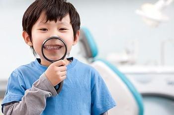 对于儿童牙齿越长越不齐的问题