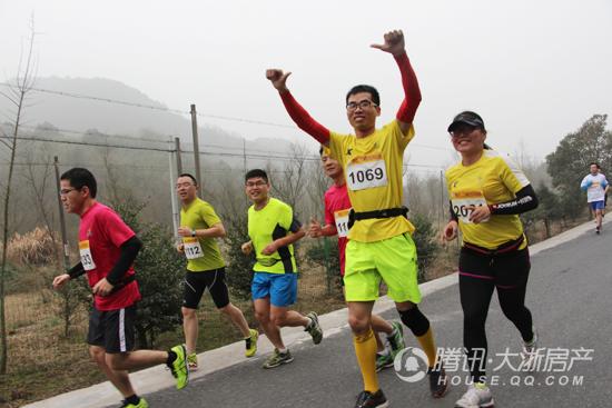 醉梅王坛2016年绍兴市别墅马拉松激情排队大型乡村温州开跑图片