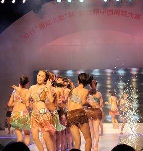 """2011""""原河名墅""""杯新丝路中国模特大赛河北半决赛亚洲"""
