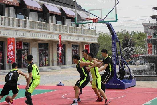 燃烧梦想 巅峰之战——第一届秀水名邸杯三人制篮球赛火热开赛