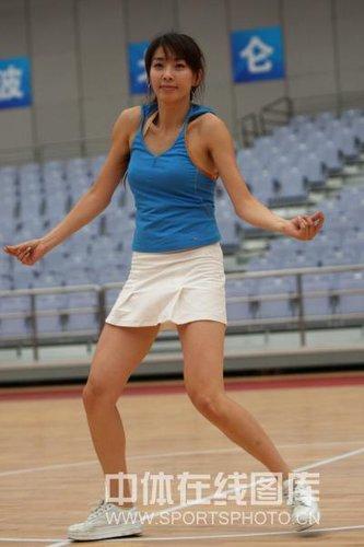 中国男篮首次拥有专属啦啦队