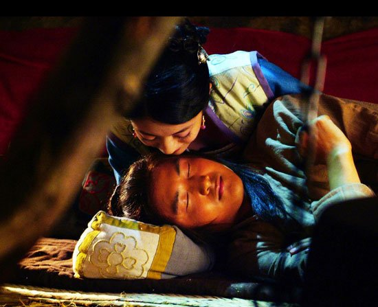 台湾美女偷吻牛郎图