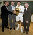 组图:四代球王共聚一堂 贺费德勒成就六冠王