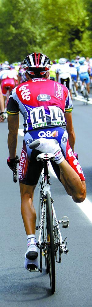 """认为:""""自行车没有问题,在老运动员身上发生这事太反常了.图片"""