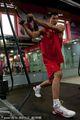 组图:阿联力量房苦练肌肉 首要目标恢复体能