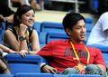 组图:中国队比赛场边热闹 明星美女齐助威