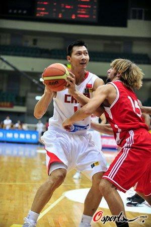阿联两双孙悦末节11分 中国男篮82-59阿联酋