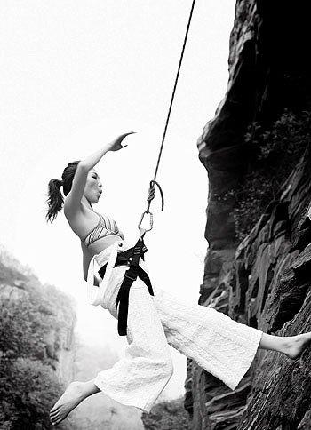 盘点裸体运动 沙排美女养眼 裸体跳伞刺激