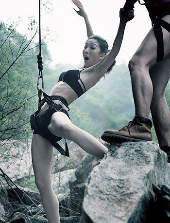 真美女下身裸体_盘点裸体运动:沙排美女养眼 裸体跳伞刺激