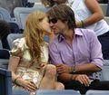 组图:妮可-基德曼观战费德勒 与老公秀热吻