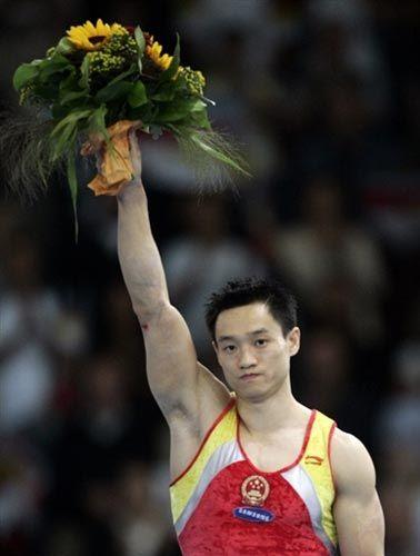 全能王杨威历经磨难终成功 创造辉煌体育生涯