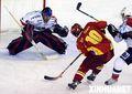 组图:亚洲冰球联赛 中国队不敌日本队