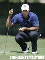 组图:高尔夫球巡回锦标赛 伍兹暂列第二