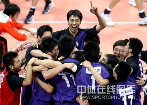 上海男排3-0解放军成功卫冕 成就全运三冠王