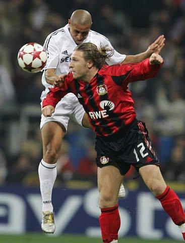 卡洛斯19年足球路:国米黑洞 1997任意球永恒