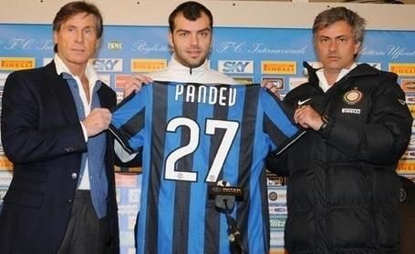 国米官方宣布潘德夫加盟 五年合同签超级杀手